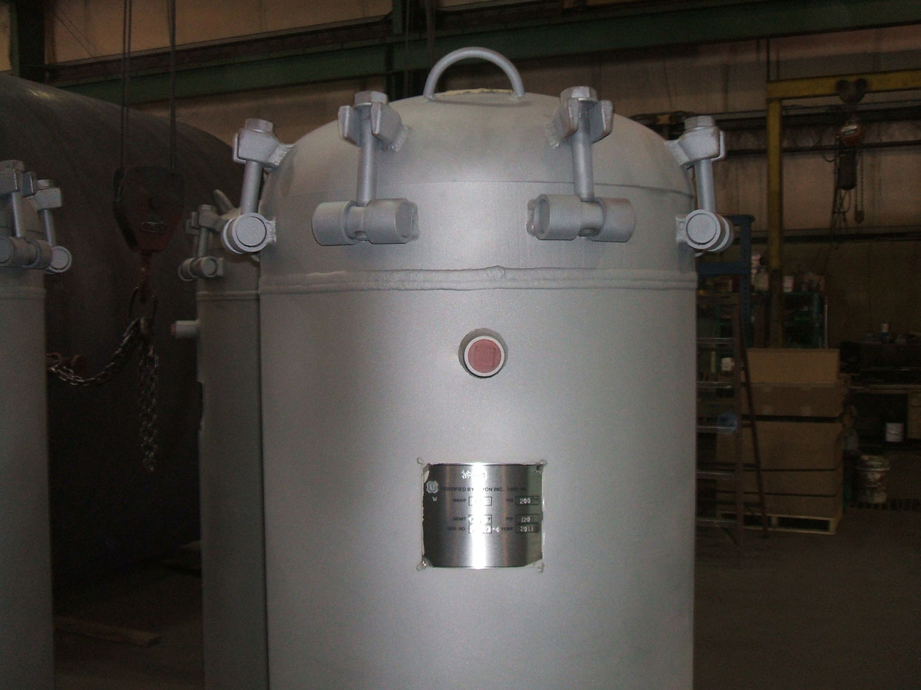 Pressure vessels with quick opening closures 4